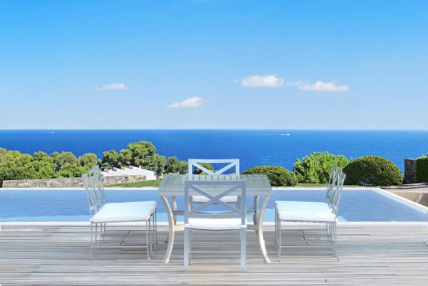 Antibes Alfresco Dining Collection